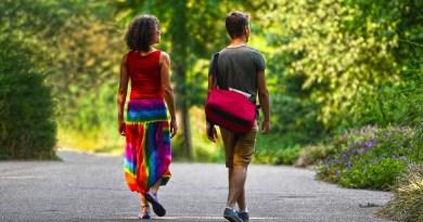 OMS: Esperanza de vida es 4,4 años menor en hombres que mujeres