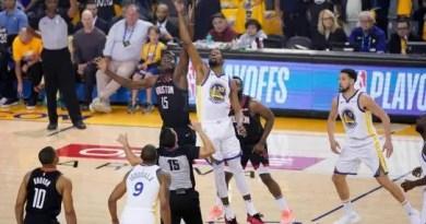 Los Warriors  golpean primero ante los Rockets