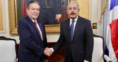 Danilo viaja a Panamá este lunes para asistir a juramentación presidente electo