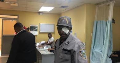 Presos hieren de una pedrada a un teniente de la Policía en la cárcel de Barahona