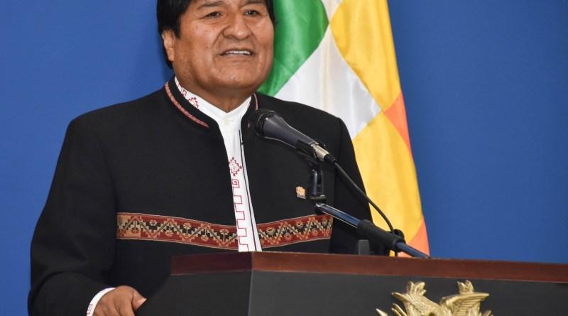 """Evo Morales augura una """"rebelión de los pueblos"""" contra entidades como el FMI"""