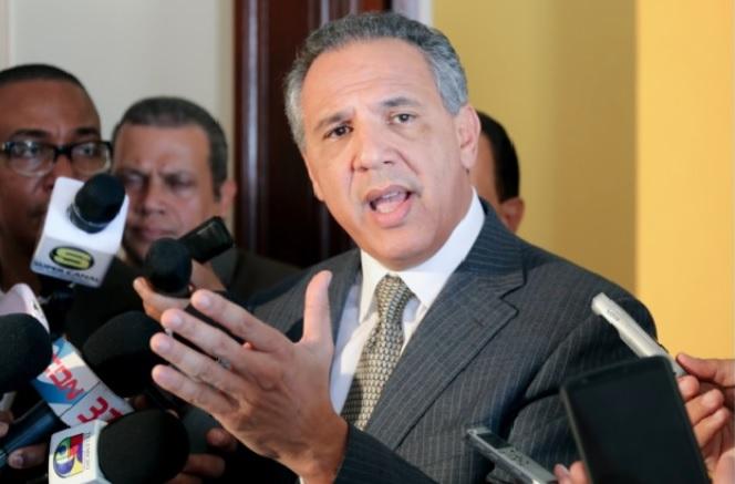 Peralta niega reunión Danilo-Reinaldo y desvincula gobierno drones instalados techo Congreso
