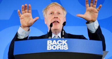 Johnson pierde la mayoría en el Parlamento al cambiar de partido un diputado