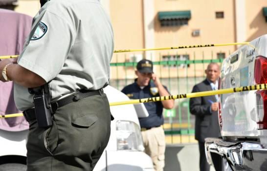 Mueren dos hombres y 8 resultan heridos en tiroteo en un bar en Carolina del Sur