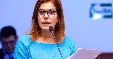 Mercedes Aráoz renunció a vicepresidencia y a la presidencia interina de Perú