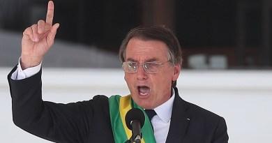 """Bolsonaro celebra reducción del número de asesinatos y pide más """"mano dura"""""""