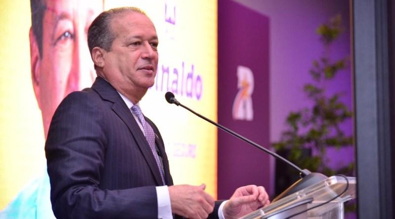 La esposa de Reinaldo Pared Pérez pasará a apoyar a Leonel Fernández