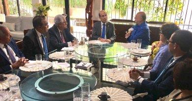 Pleno JCE visita a Hipólito y conversan sobre transparencia en primarias