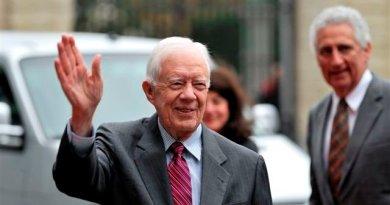 Expresidente de EE. UU. Jimmy Carter se fractura su pelvis al caerse en casa