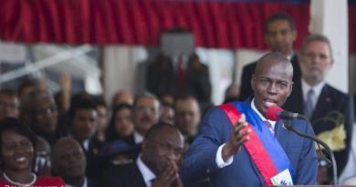 Diputados de Haití debaten si abren juicio político contra presidente Moise
