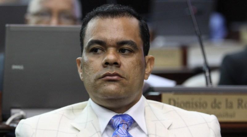 """Diputado Elías Báez pide a Miguel Vargas no meterse con el PRM: """"Deberías callarte"""""""