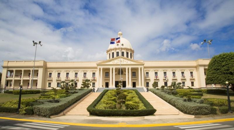 Medina promulga ley que modifica Presupuesto General del Estado 2019