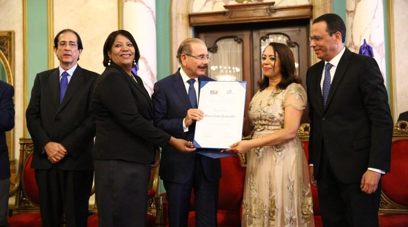 Minerva Emilia Pereyra recibe Premio Nacional de Periodismo 2019