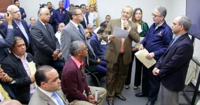 JCE presenta modelo de voto automatizado con orden de los partidos para las municipales