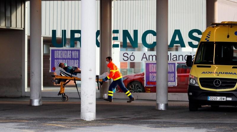 España alcanza 13.055 muertos y sigue recortando fallecidos y contagios