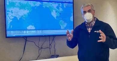 Gonzalo traerá a dominicana enferma de cáncer que está varada en Chile