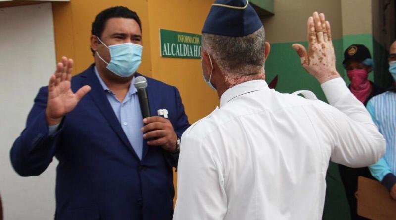 Alcaldía de Higüey juramenta nuevo intendente del Cuerpo de Bomberos
