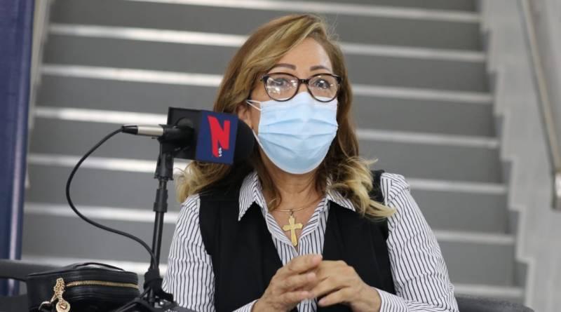 """Directora provincial de SNS: el ministro de Salud """"merece todos los honores del mundo"""""""