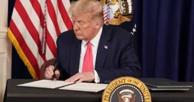 Los demócratas denuncian que la prórroga de Trump a las ayudas por la Covid-19 no tiene efecto true