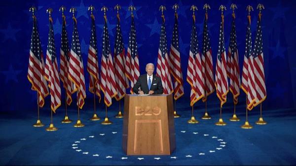 Biden asegura a los latinos que les irá mejor si Trump sale de la Casa Blanca