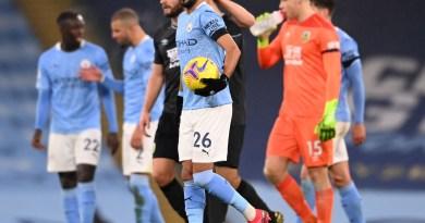 Mahrez reactiva al Manchester City con un triplete