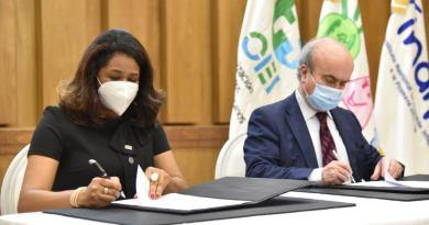 Conani e Inaipi firman acuerdo con la OEI para mejorar desarrollo de niños y adolescentes