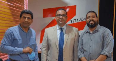 El periodista Abel Guzmán Then se integra al staff de comentaristas de la Z 101