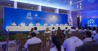 Abinader invita a hoteleros a trabajar con Gobierno en el Plan Nacional de Vivienda Familia Feliz