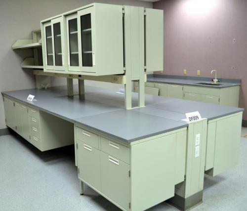 Fisher Hamilton Laboratory Cabinets  DF009