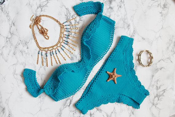 bikini azul de crochet