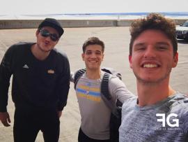 Danilo Gallinari con suo fratello Federico e Mattia Cafisi.jpg