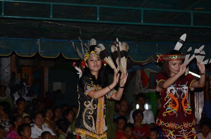 Penampilan dari Kalimantan Timur.