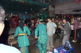 Penampilan dari Riau turun mengajak masyarakat ikut menari.