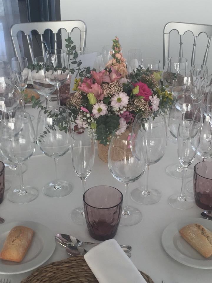 centro de flores mesa comunion
