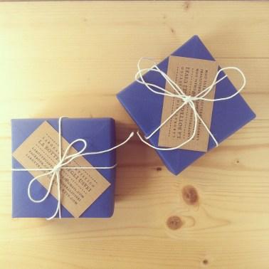 Scatole origami per contenere le rose in carta riciclata