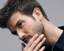 El cantante español Pablo Alborán cumple un sueño en teatro