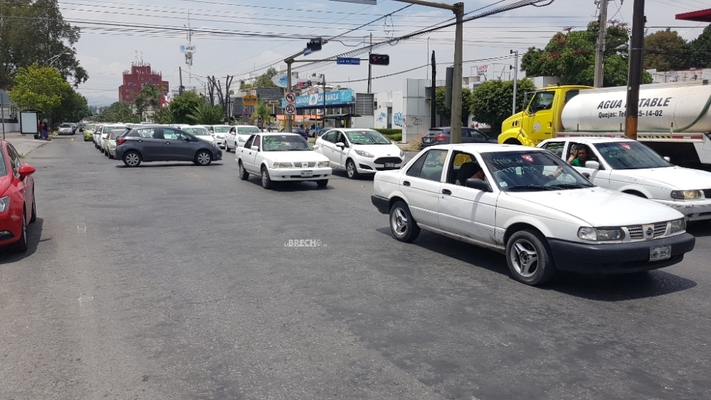 Taxistas de Villa de Arriaga protestan en la Capital potosina