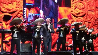 Luis Miguel en SLP 3.jpg