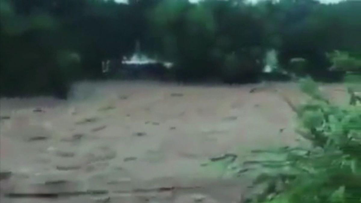 Se Desborda Río Santa María. Reportan Desaparecidos