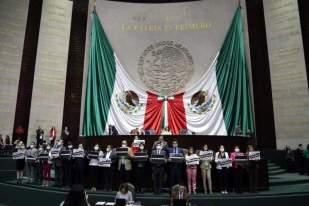 Perredistas protestan en San Lazaro 2