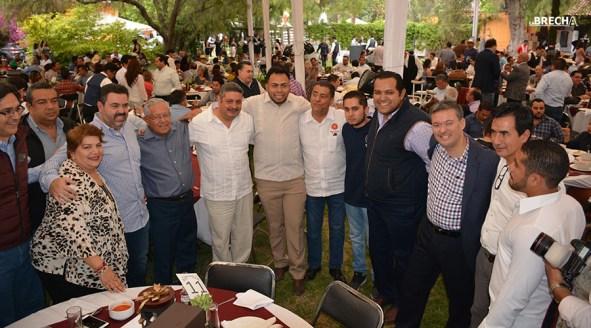 Gabino Morales Celebra 30-amigos-18