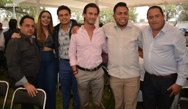 Gabino Morales Celebra 30-amigos-24