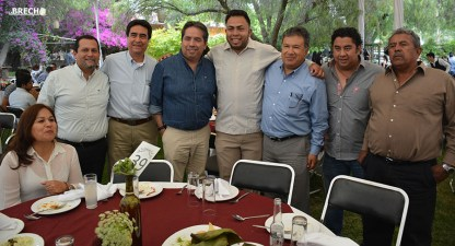 Gabino Morales Celebra 30-amigos-25