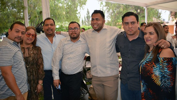 Gabino Morales Celebra 30-amigos-31