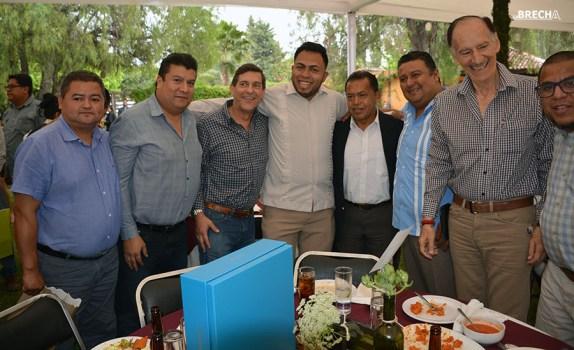 Gabino Morales Celebra 30-amigos-32