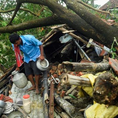 India-y-Bangladesh-a-medida-que-el-ciclón-Amphan-acumula.jpg