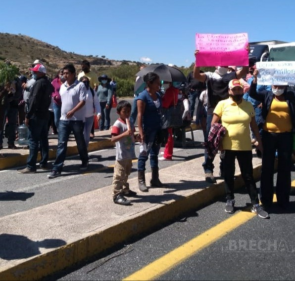 bloqueo carretera a Zacatecas-3.jpg