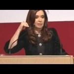 CFK hablándose encima en un centro islámico