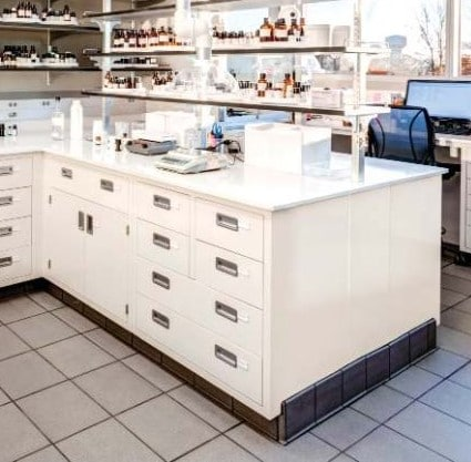 Modular Lab Bench and Wall Laboratory Shelving Systems