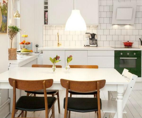 3 - mesas de comedor en la cocina